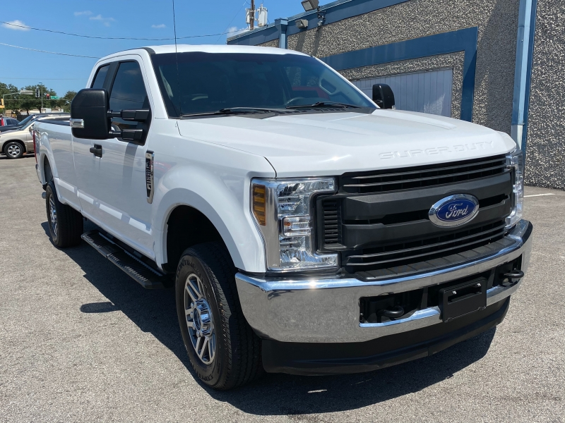 Ford F250 XL 4X4 2018 price $25,995
