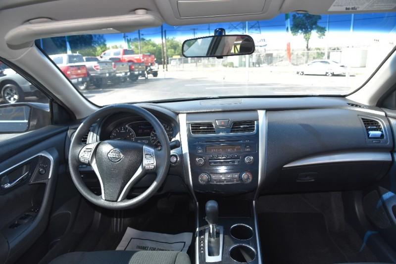 Nissan Altima 2015 price $1,000 Down!!