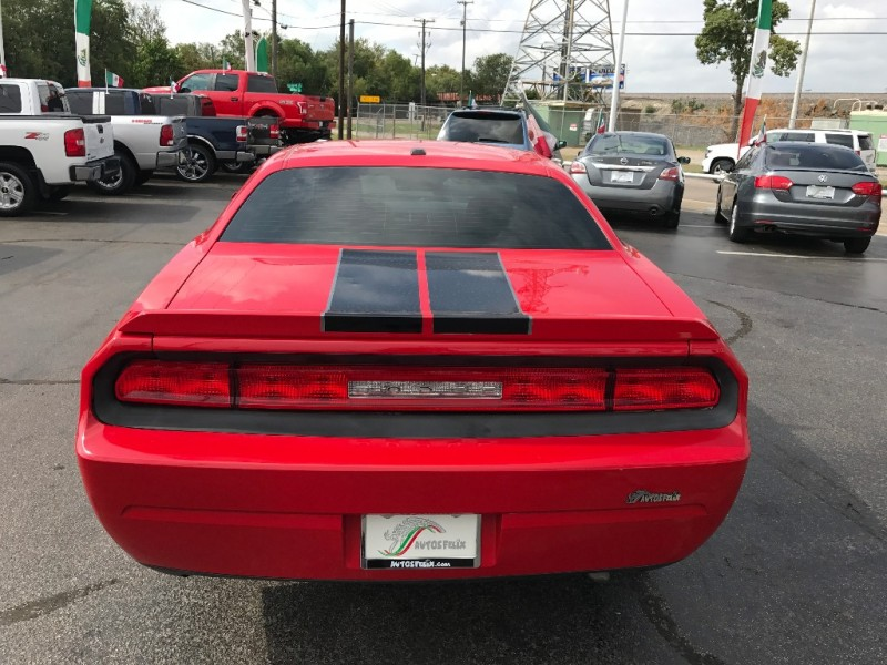 Dodge Challenger 2012 price $2,000 Down!!