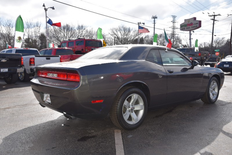 Dodge Challenger 2016 price $2,000 Down!!
