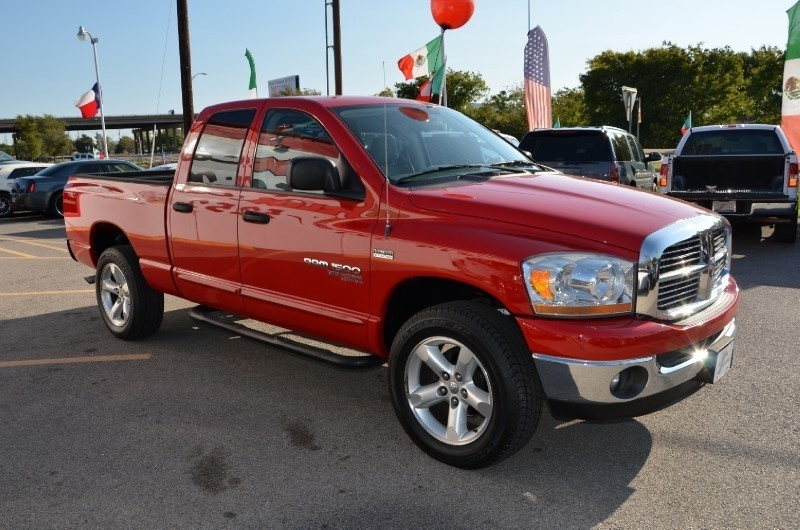 Dodge Ram 1500  4X4 2008 price $1,000 Down!!
