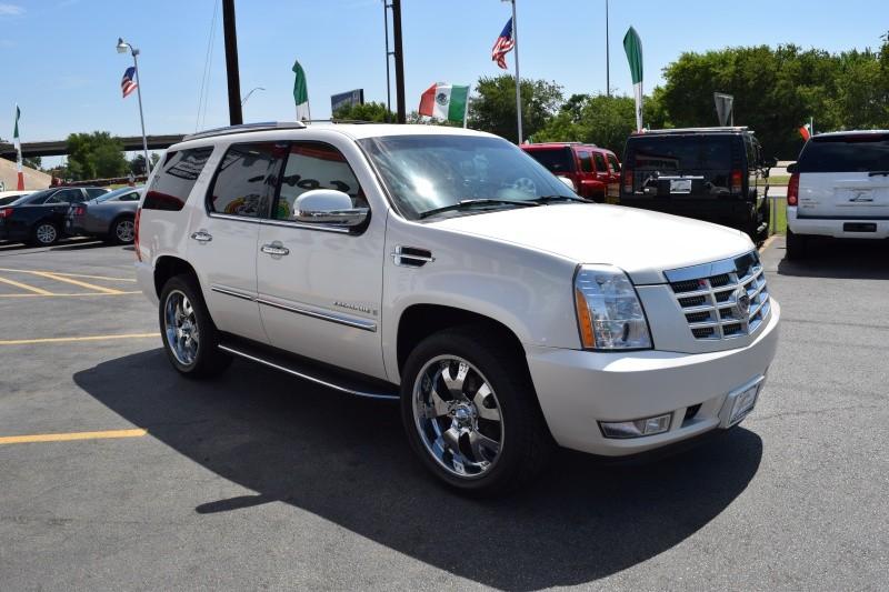 Cadillac Escalade 2012 price $2000 Down!!