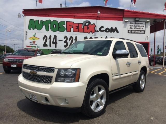 2011 Chevrolet Tahoe LTZ Perla