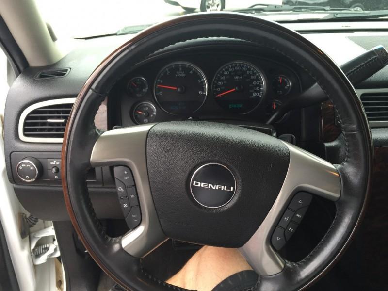 GMC Denali 2012 price $1500 Down!!