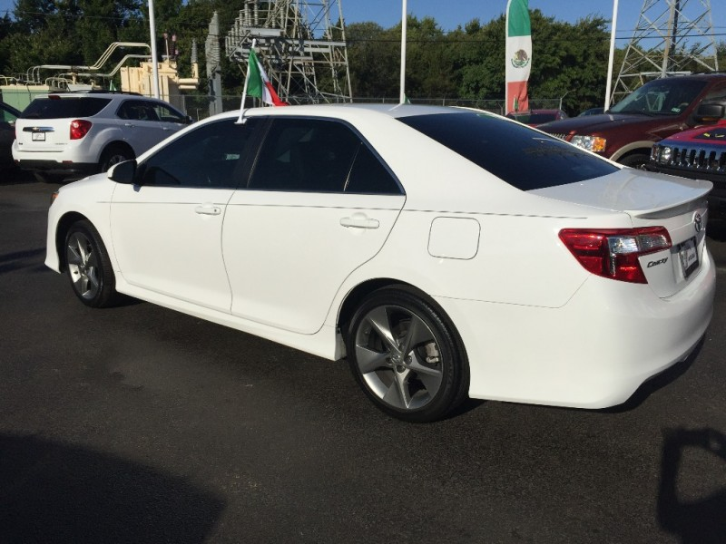 Toyota Camry 2015 price $1,500 Down!!