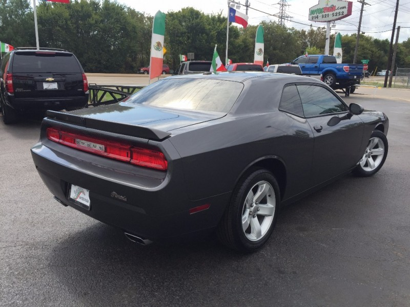 Dodge Challenger 2013 price $2,000 Down!!