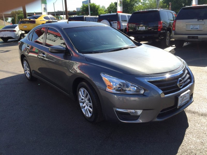 Nissan Altima S!! 2015 price $1,000 Down!!