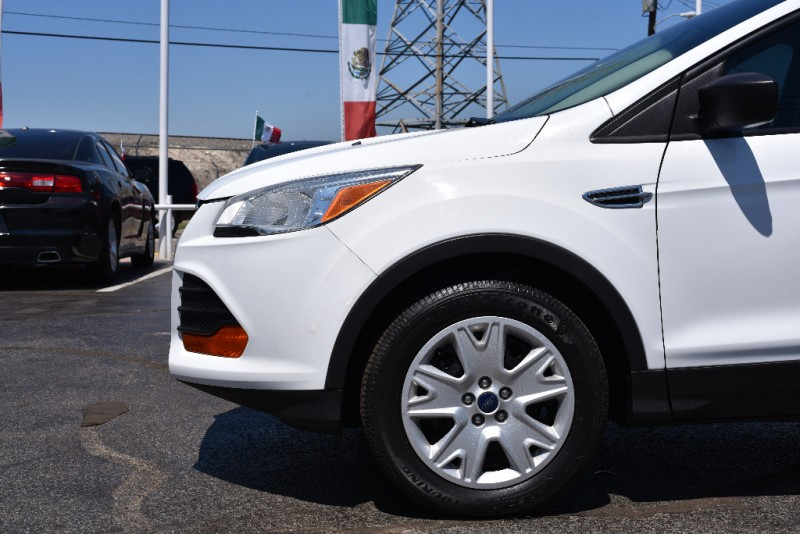 Ford Escape 2015 price $1,500 Down!!