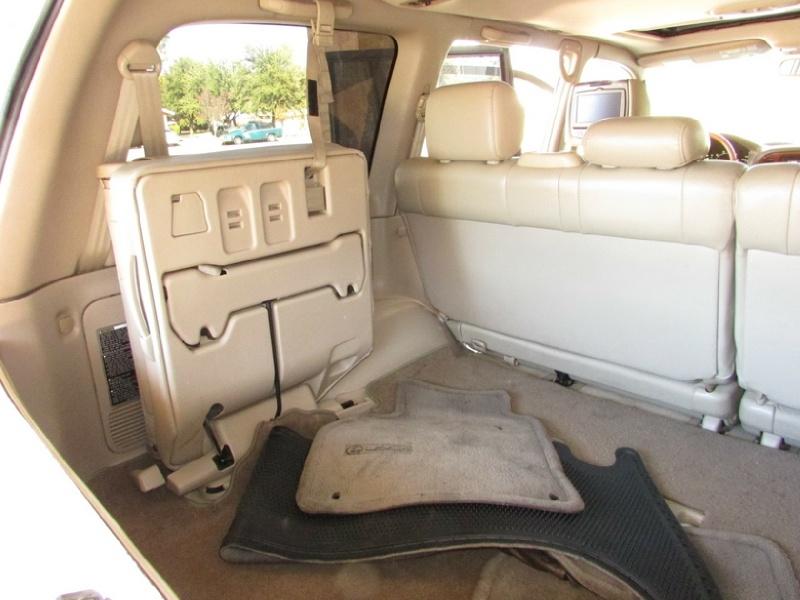 Lexus LX 470 2000 price $0