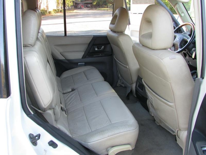 Mitsubishi Montero 2006 price $4,500