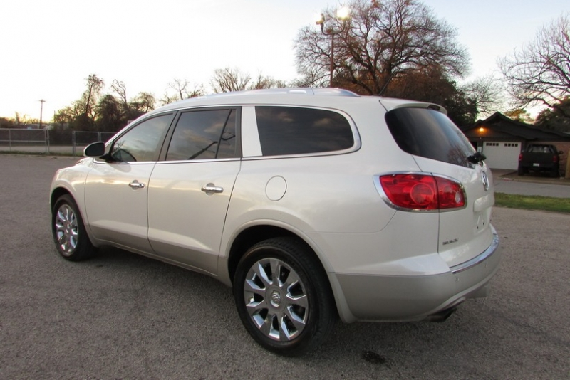 Buick Enclave 2012 price $10,895