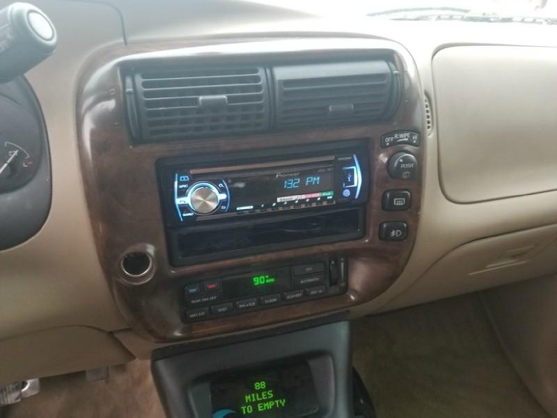 Ford Explorer 1999 price $1,600 Cash