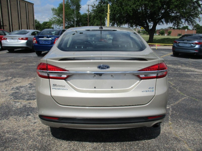 Ford Fusion Hybrid 2018 price $15,995