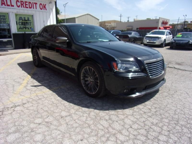 2013 Chrysler 300 500totaldown.com