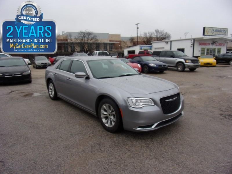 2016 Chrysler 300 500totaldown.com