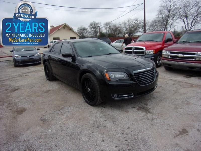 2014 Chrysler 300s www.500totaldown.com