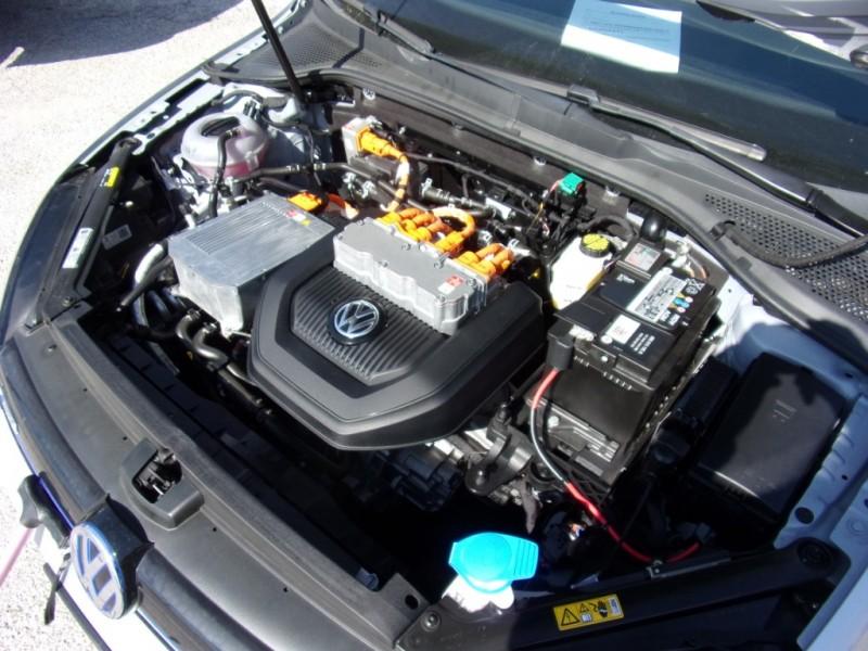 Volkswagen e-Golf SEL model. 90mile range 2015 price $13,995