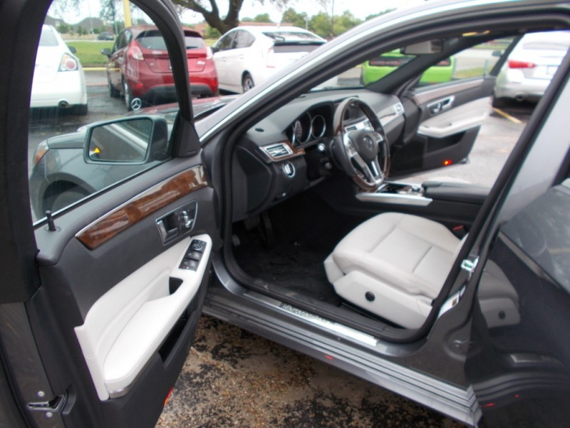 Mercedes-Benz E-Class 2016 price $24,995