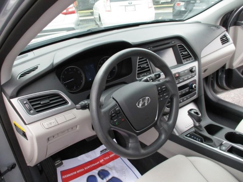 Hyundai Sonata 2016 price $14,995
