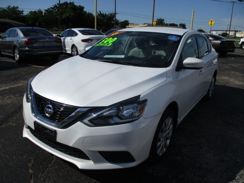 Nissan Sentra 2016 price $13,995