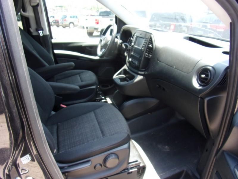 Mercedes-Benz Metris Passenger Van 2017 price $15,500