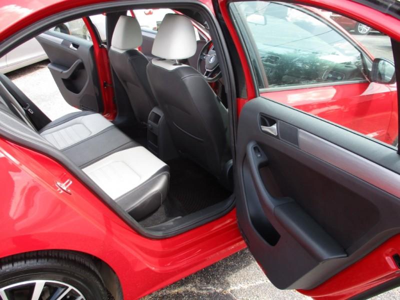 Volkswagen Jetta Sedan 2016 price $12,995