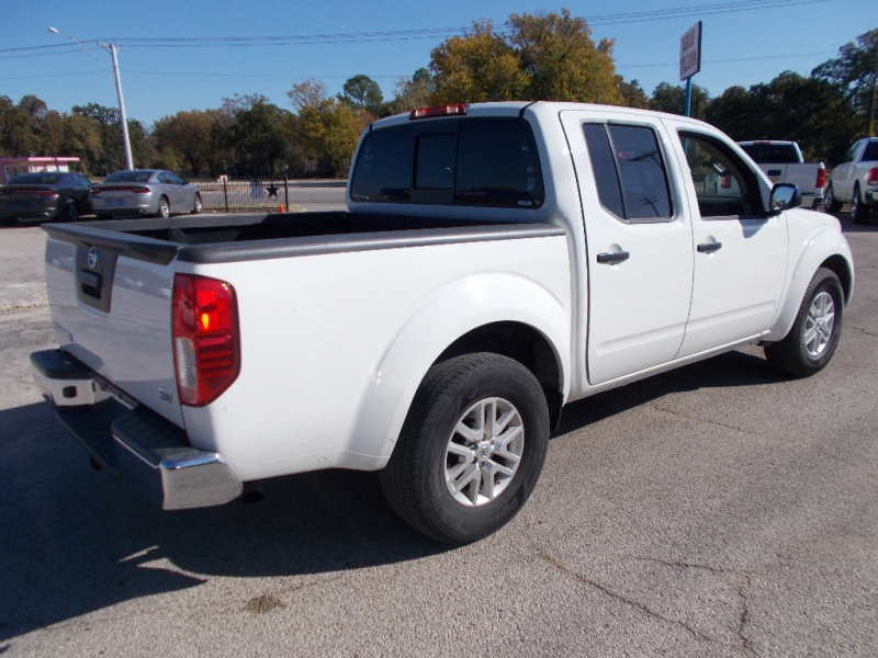 Nissan Frontier 2018 price $19,500