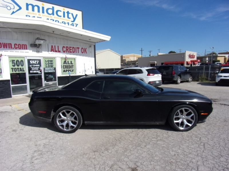 Dodge Challenger 2016 price $17,995