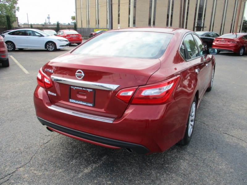 Nissan Altima 2017 price $13,950