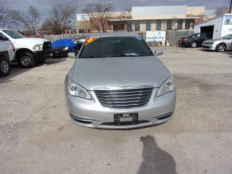 Chrysler 200 2011 price $0