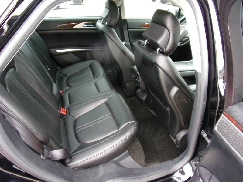 Lincoln MKZ 2016 price $12,995
