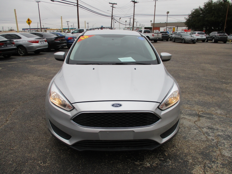Ford Focus 2018 price $12,995