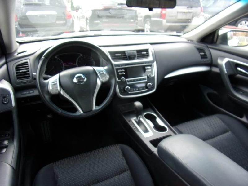 Nissan Altima 2016 price $14,500