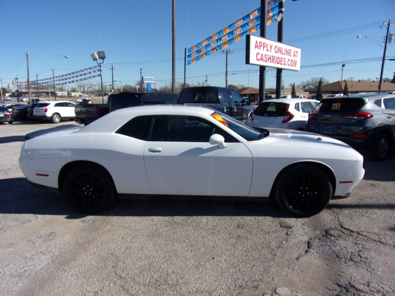 Dodge Challenger 2016 price $18,995