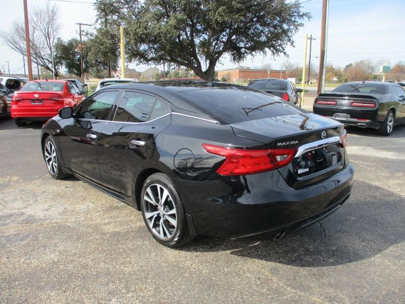 Nissan Maxima 2016 price $12,995