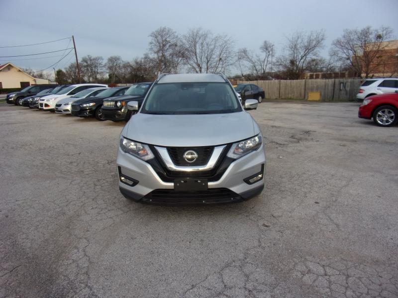 Nissan Rogue 2018 price $17,500