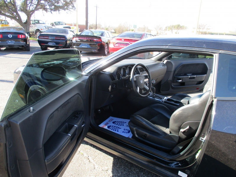 Dodge Challenger 2008 price $18,995