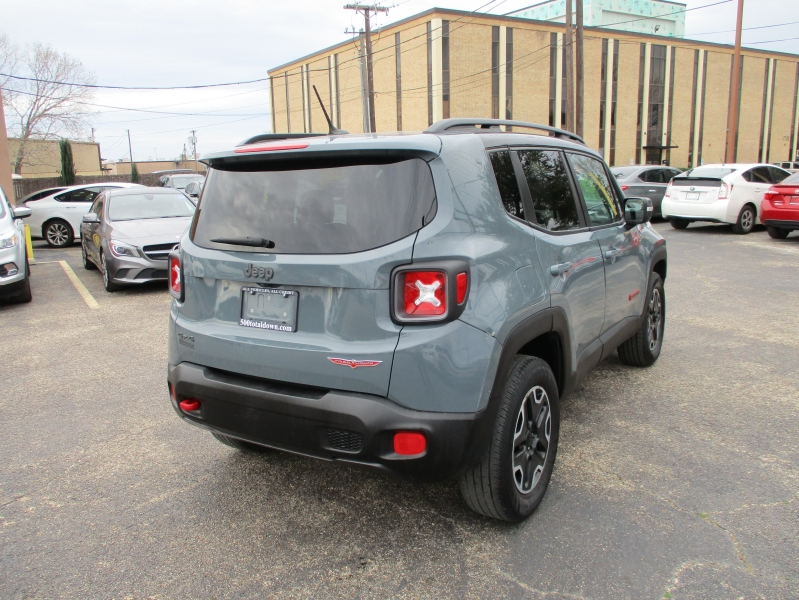 Jeep Renegade 2016 price $15,995