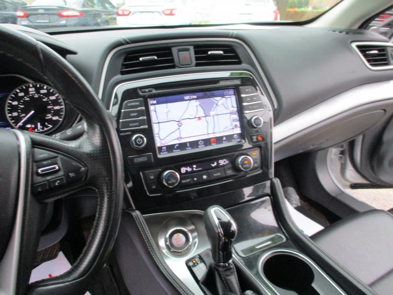 Nissan Maxima 2018 price $17,500