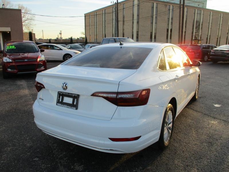 Volkswagen Jetta 2019 price $12,995
