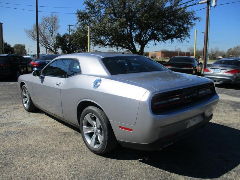 Dodge Challenger 2017 price $15,995