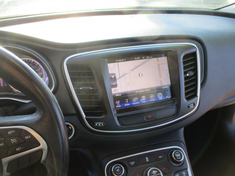 Chrysler 200 2016 price $8,500