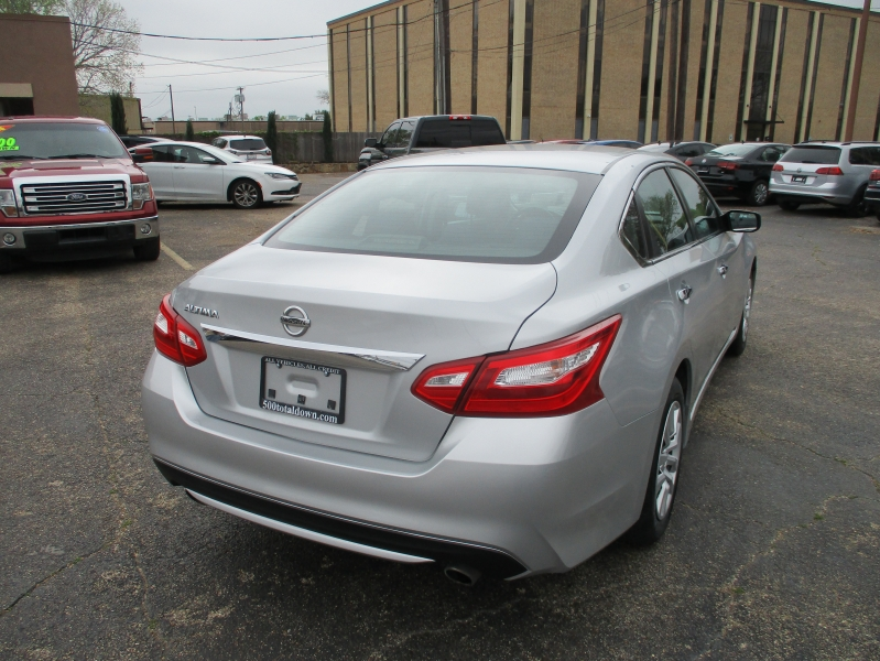 Nissan Altima 2016 price $9,999