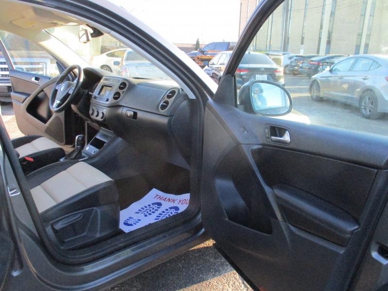 Volkswagen Tiguan 2016 price $11,500