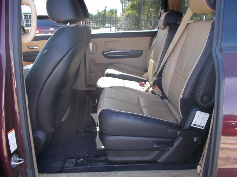 Kia Sedona 2016 price $14,995