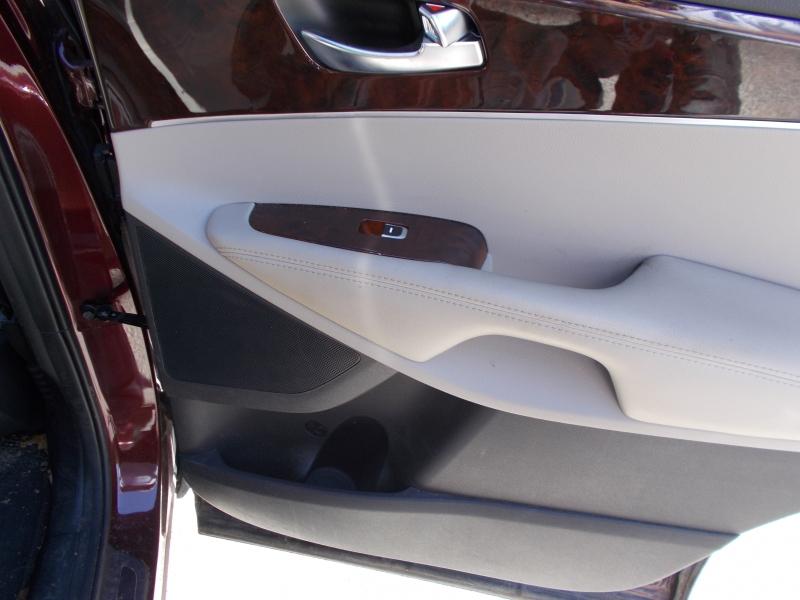 Kia Sorento 2017 price $15,995