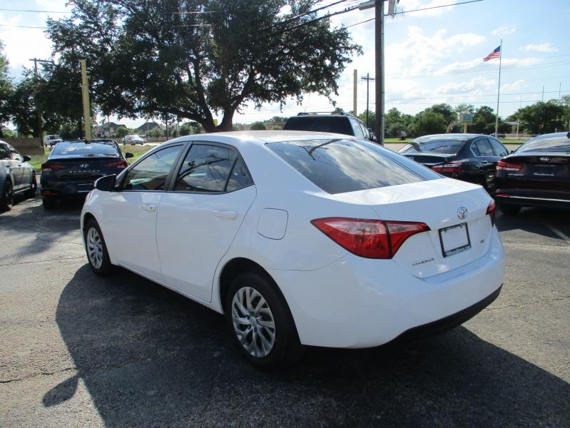 Toyota Corolla 2017 price $11,900