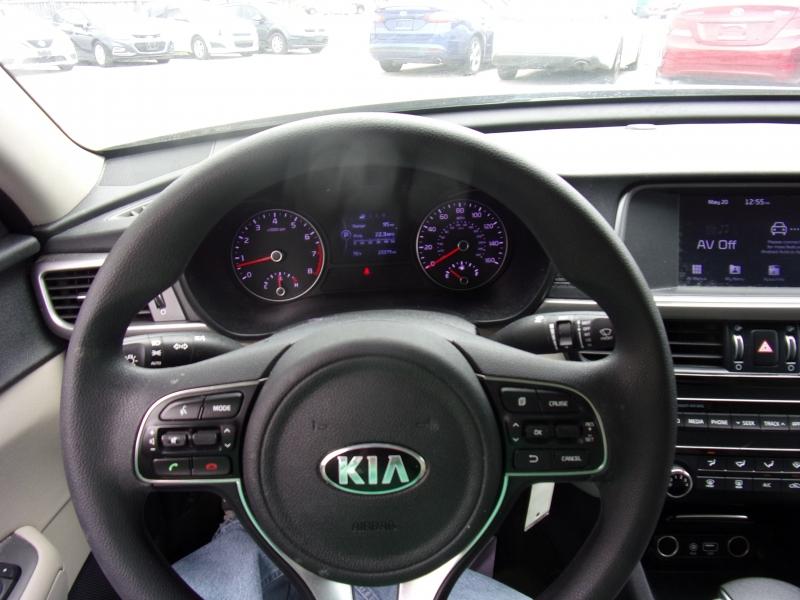 Kia Optima 2018 price $15,500