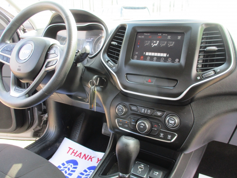 Jeep Cherokee 2019 price $15,995