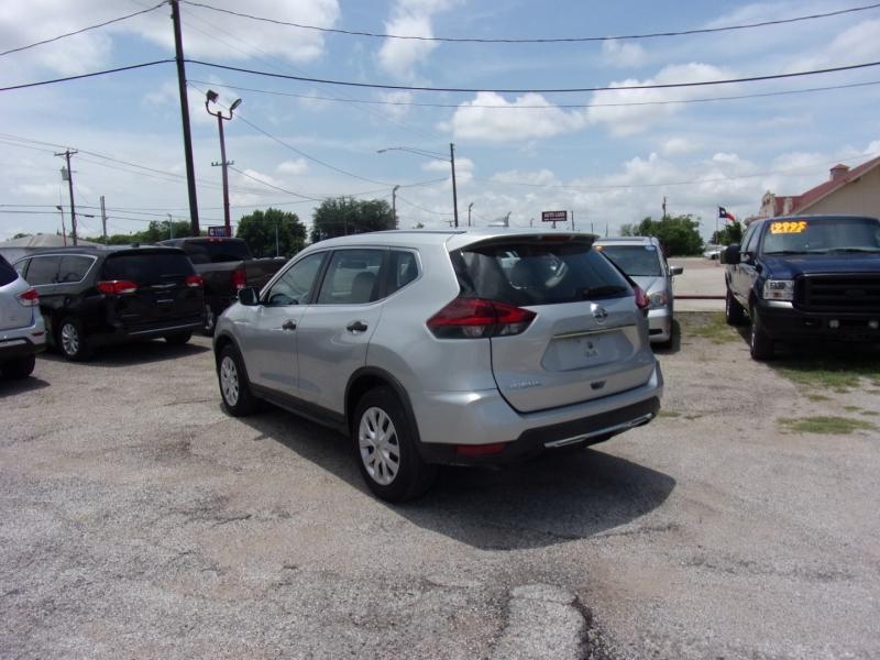 Nissan Rogue 2018 price $18,500